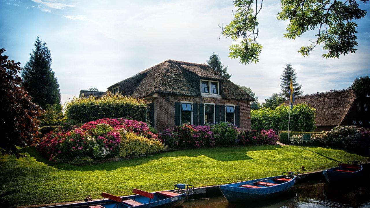 architecture-backyard-boating-534171